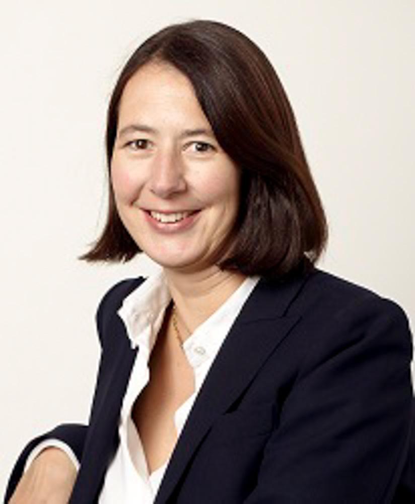 Abb: Anja Döbritz-Berti, Inhaberin Dipl.-Kauffrau und öffentlich bestellte und vereidigte Auktionatorin (allgemein, IHK Bonn)